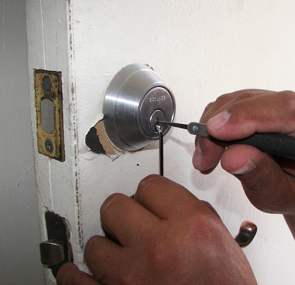 Locksmith specialist Newcastle